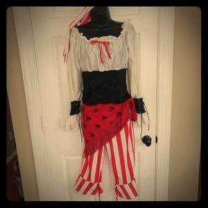 5 piece Women's Pirate Costume